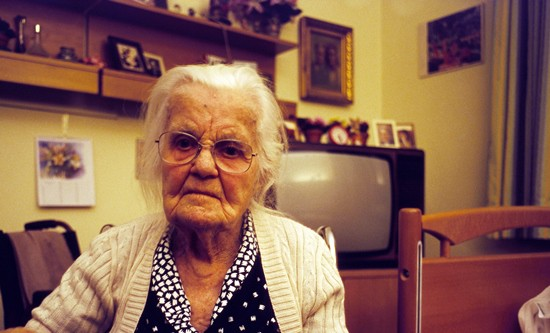 Sad_Senior_Woman_in_Room_Stockphotopro_8973623WPY_CROPPED