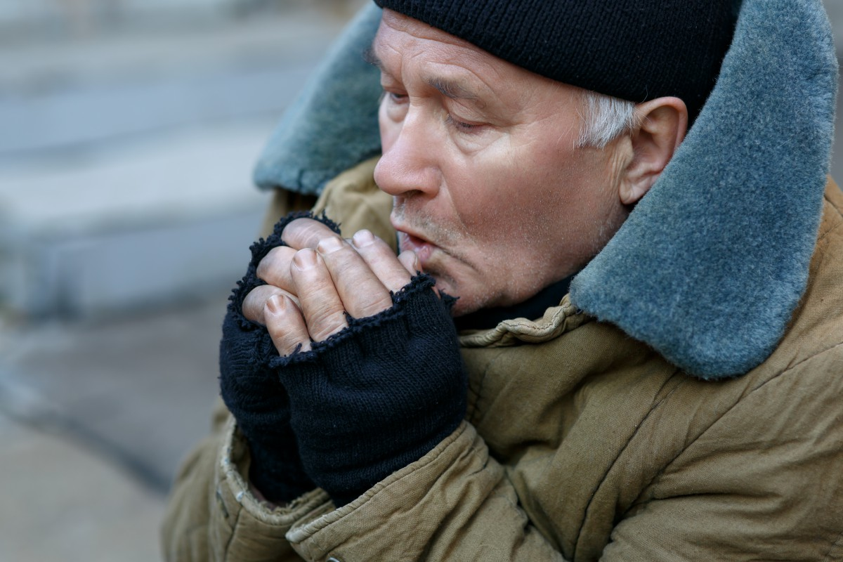 Follow these tips to avoid cold stress. (Thinkstock)