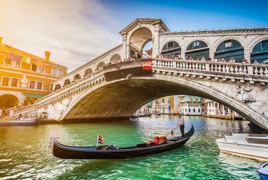 """""""A Taste of Italy"""" is the theme of PCA's 2017 gala fundraiser to benefit The Philadelphia Fund for Seniors. (iStock)"""